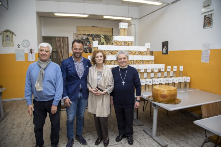 Pasta-e-Parmigiano-alla-mensa-dei-poveri-febbraio-2020.jpg